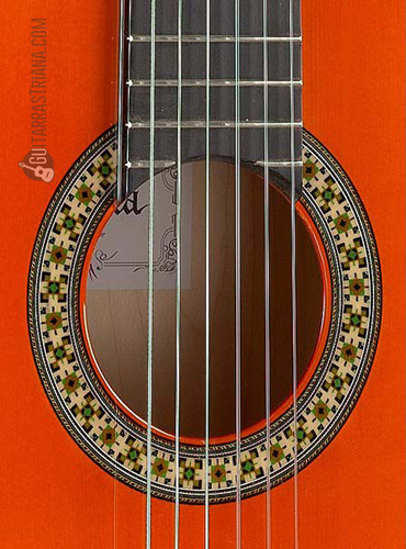 guitarra-alhambra-4f-boca