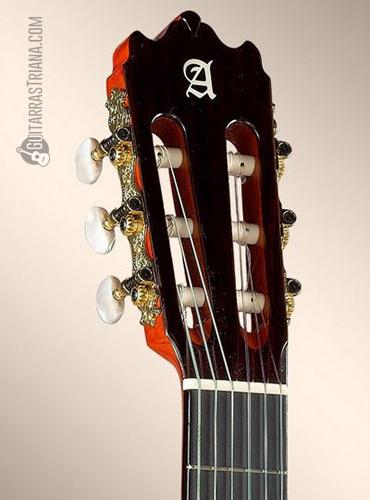 guitarra-alhambra-4f-clavijero