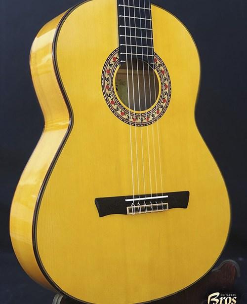 guitarra f bros modelo solea de color amarilla personalizada3