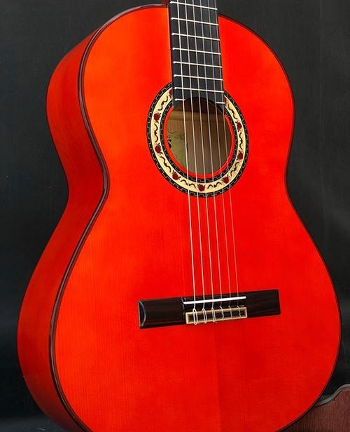 guitarra artesana francisco Bros modelo Soleá de color roja personalizada1