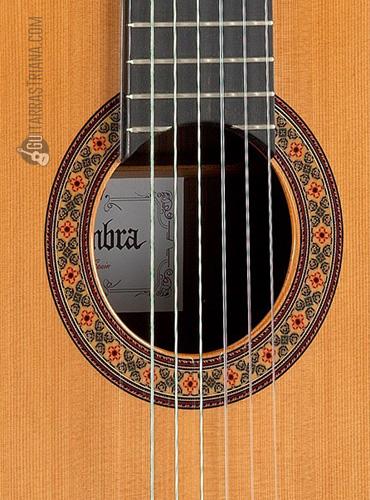 guitarra-alhambra-10P-boca