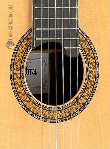 guitarra-alhambra-11P-boca
