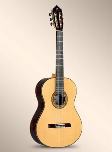 guitarra-alhambra-11P