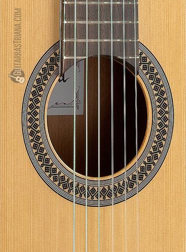 guitarra-alhambra-2C-boca