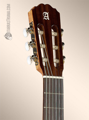guitarra-alhambra-2C-clavijero