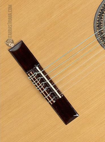 guitarra-alhambra-2C-tapa