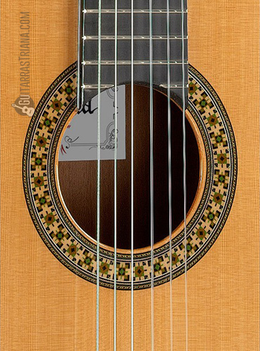 guitarra-alhambra-4P-boca