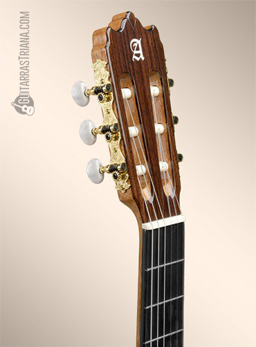guitarra-alhambra-4P-clavijero
