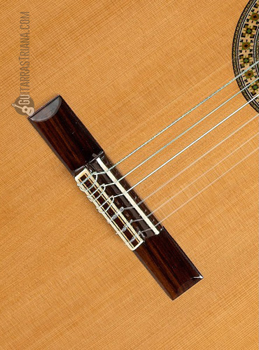guitarra-alhambra-4P-tapa