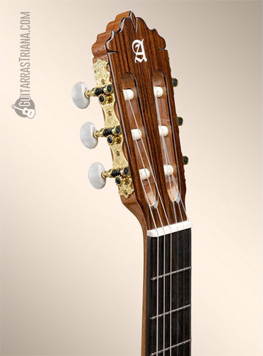 guitarra-alhambra-5P-clavijero