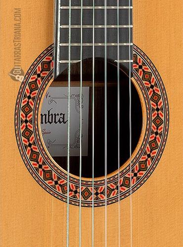 guitarra-alhambra-8P-boca