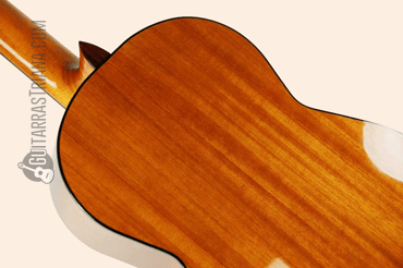 guitarra-admira-malaga-detras