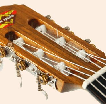 guitarra-clasica-admira-juanita-clavijero