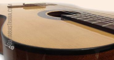 Guitarra Admira Sara tapa