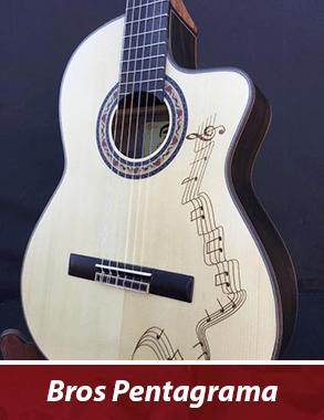 guitarra española personalizada con vinilo de un pentagrama