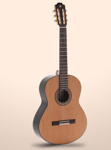 guitarra clásica Admira A4