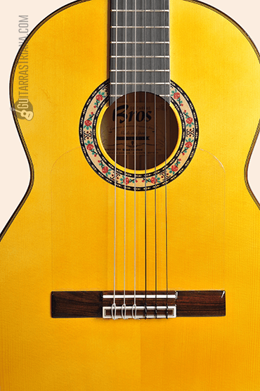 Guitarra Bros Canastera amarilla boca