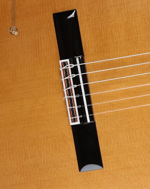 tapa-cedro-luthier-aniversario