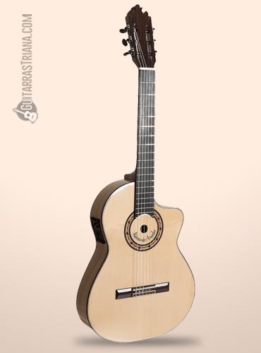 color natura y acabado brillo de la guitarra bros raimundo amador